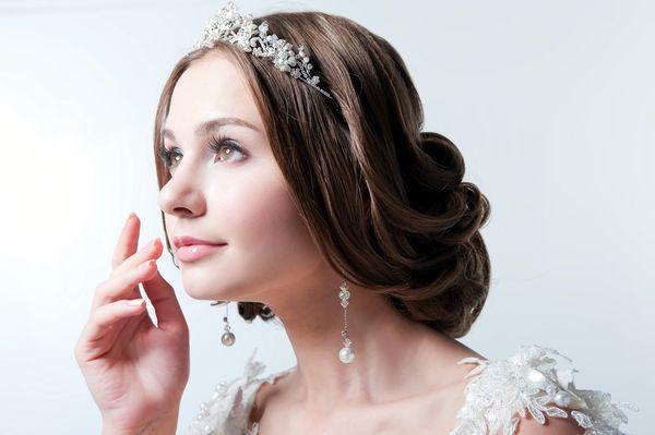 新娘皇冠头纱造型图片