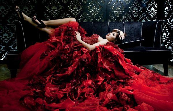 梦见穿红色长裙