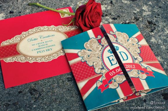 婚礼 婚礼造型  礼服还有蛋糕都是英国国旗的配色 只能说这对新人不仅