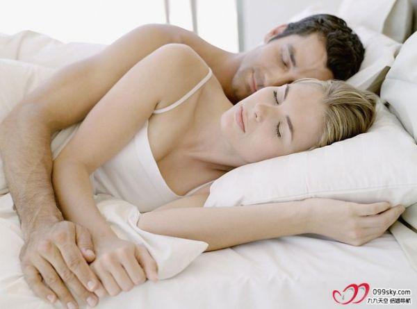 年后你还会搂著老公 老婆睡吗 分享