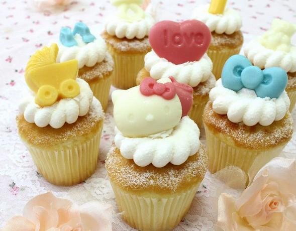 克劳蒂杯子蛋糕cloudy cupcake与凯蒂猫hello kitty